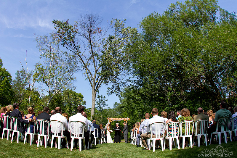 Wedding a Grafton Dells River Park in Milwaukee, Wisconsin