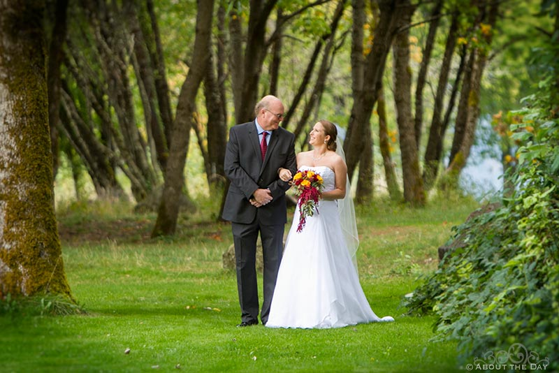 Father escorts Bride at Sternwheeler Columbia Gorge & Marine Park