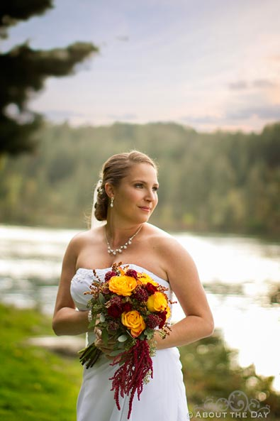 Bride poses on Thunder Island at Sternwheeler Columbia Gorge & Marine Park