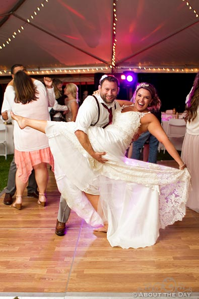 Bride and Groom do a dip while dancing