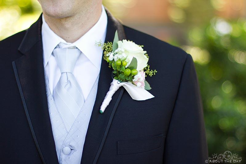 Grooms tie and flower