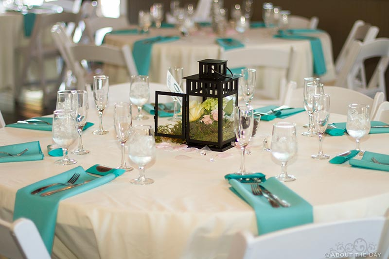 Wedding table settings at Hidden Meadows