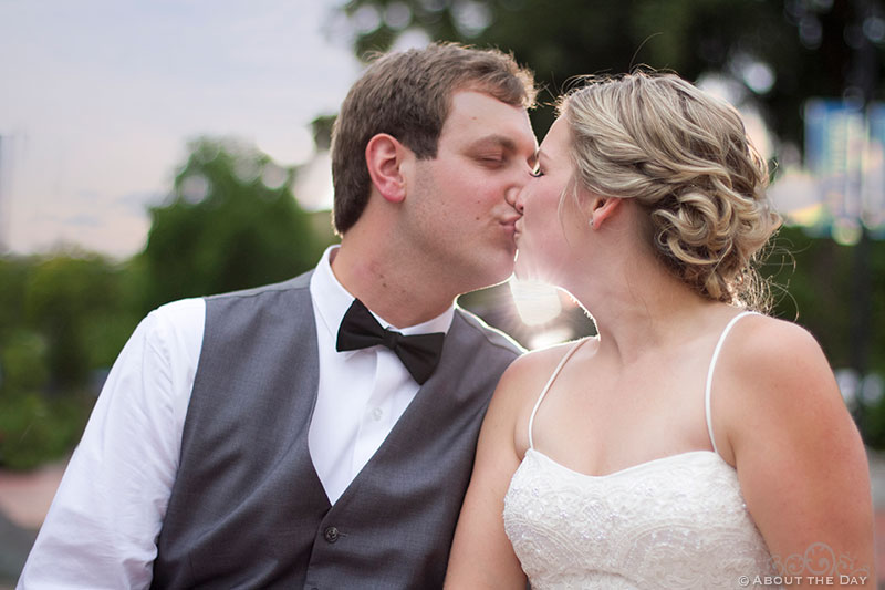 Bride and Groom kiss at Esther Short Park