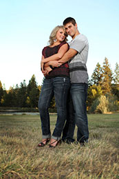 Engagement Shoot at Pacifica Gardens in Grants Pass, Oregon