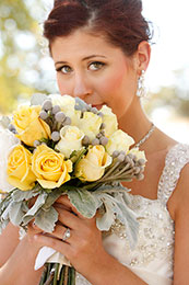 Bride with her lovely yellow flowers and jewelry