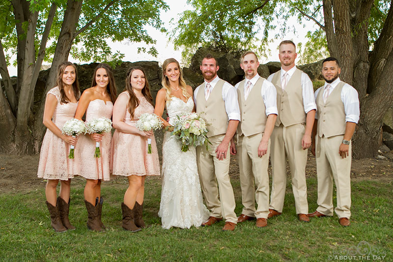 Bride and Groom with the wedding party at Shadow Lake Ranch