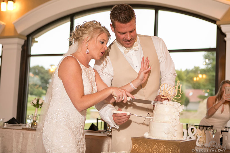Bride and Groom cut the cake at DC Estate Winery