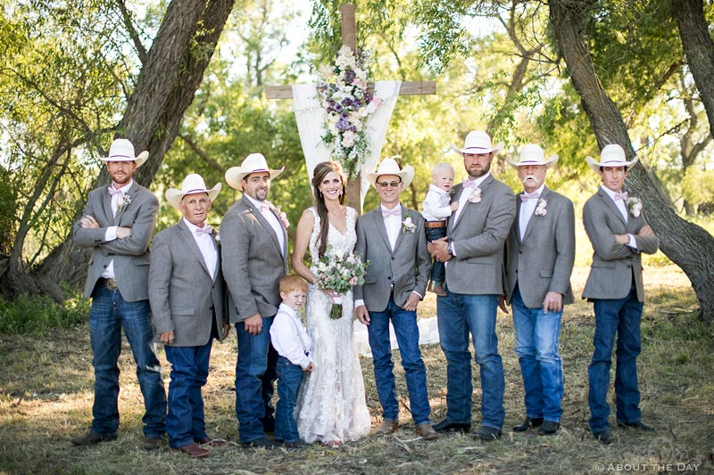 Lovely Bride with the Groomsmen