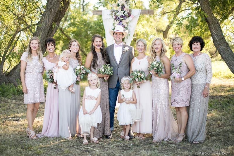 Cowboy Groom with the bridesmaids