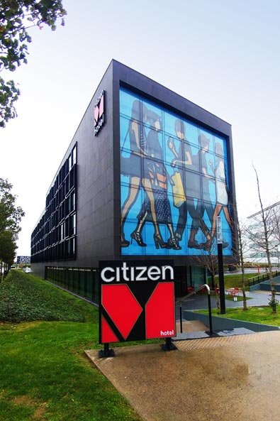 The CitizenM at CDG is a crazy awesome hotel