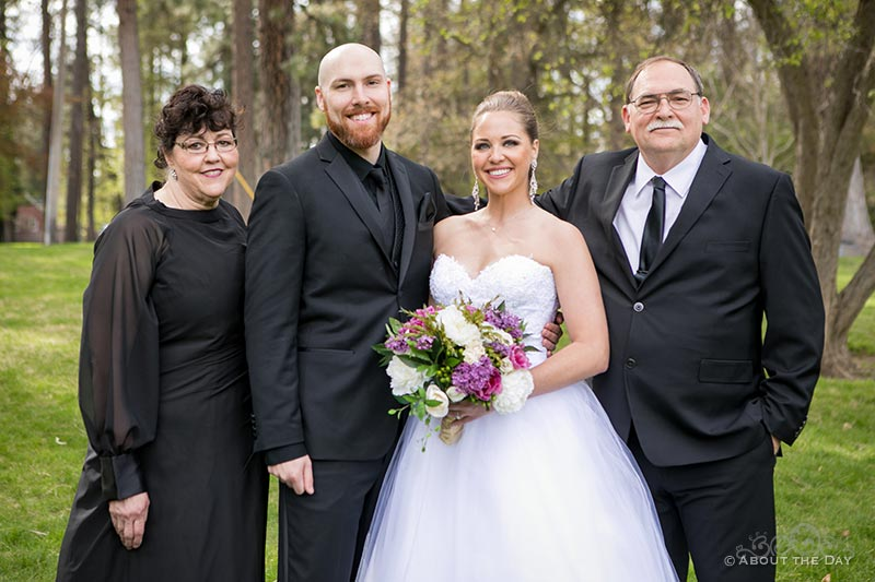 The Bride & Groom with his parents