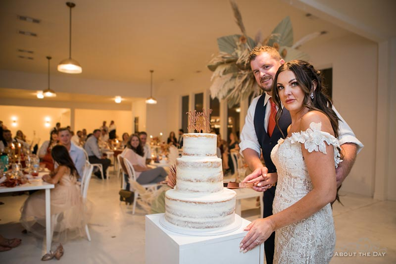 Bride and Groom's cut their wedding cake at The Emerson